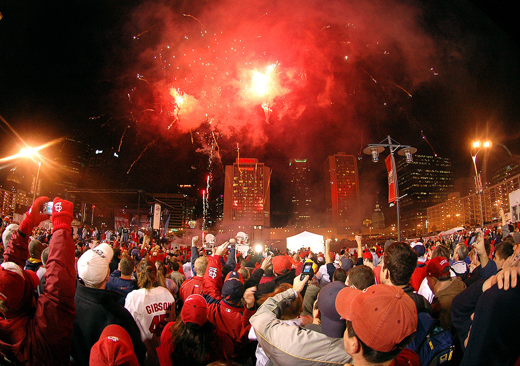 ENTRANT FALL 2006: Annabelle Ombac, Virginia Tech University (Kelly Wolff, adviser)— Fireworks are shot marking the 2006 win of the St. Louis Cardinals over the Detroit Tigers for the 2006 World Series.