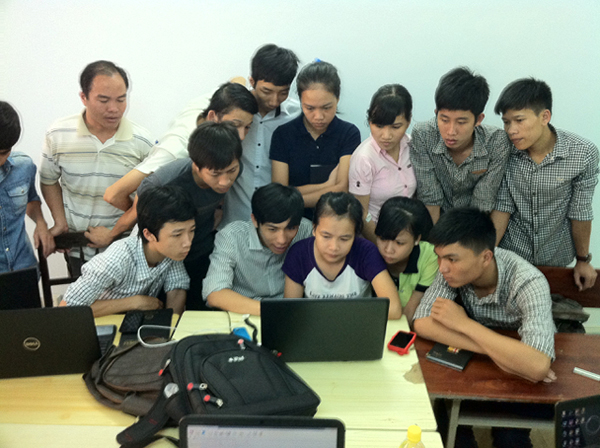 Mr_An_Working_With_Students
